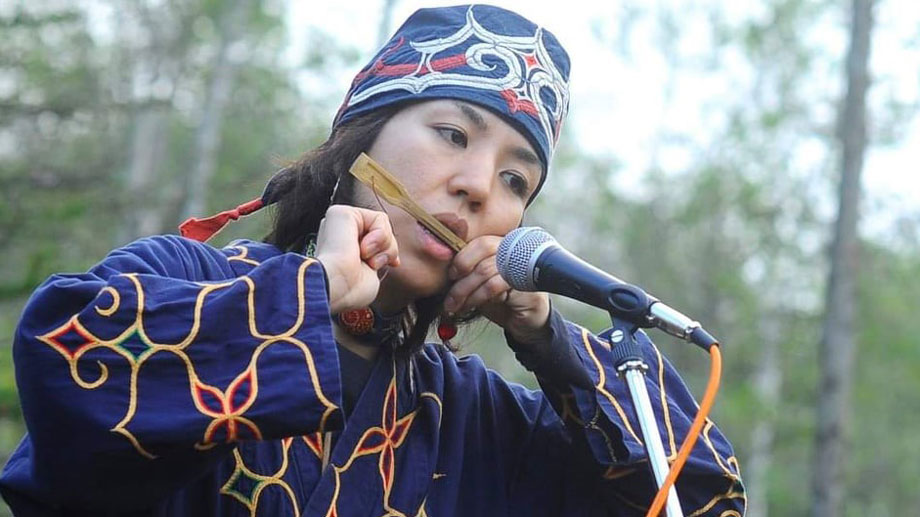 Culture is an important factor for tracing the population history. Utae Ehara playing the mukkuri.
