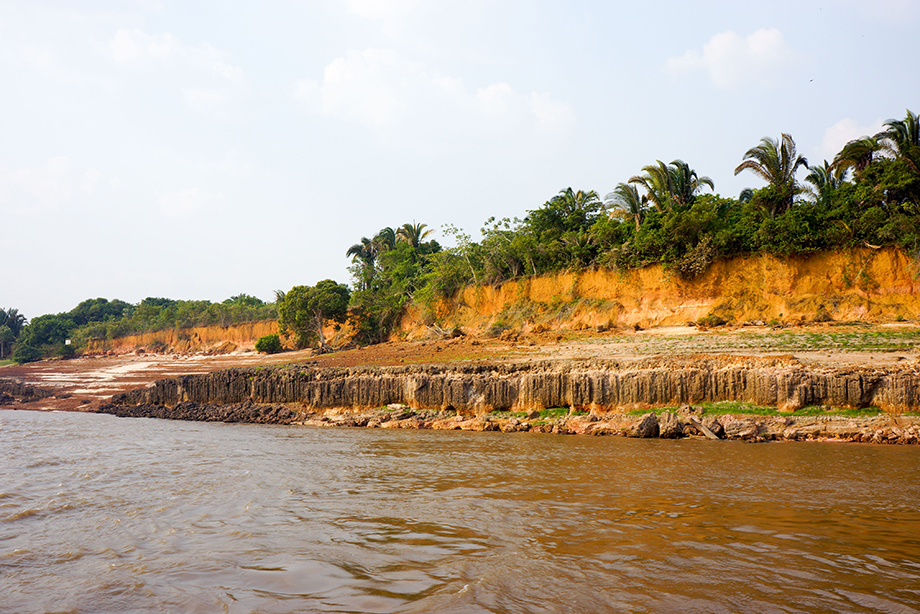 Rivers transport black carbon from land to sea.
